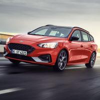 Así luce el Ford Focus ST SportBreak en sus primeras imágenes: un familiar deportivo, gasolina o diésel