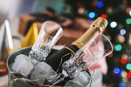 ¿Te toca organizar la cena de Nochevieja? 15 ideas inspiradoras para sorprender a tus invitados