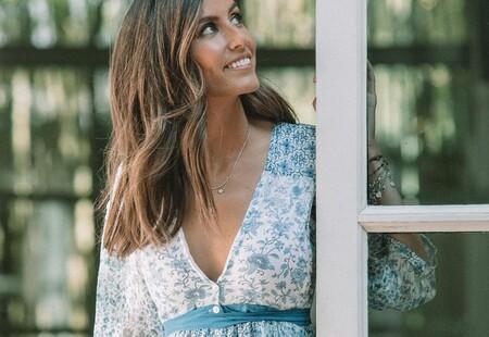 Cuatro vestidos azules de flores con los que vestir de largo y copiar el look más romántico de Ana Boyer