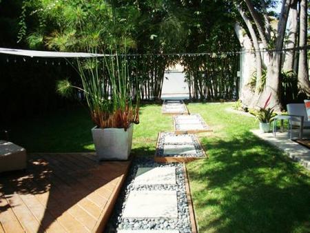 Un camino de jardín muy original