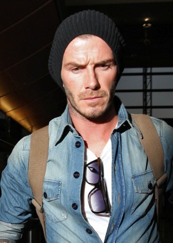 David Beckham con el nuevo tupé: trucos para ocultar las entradas y la caída del pelo, gorro