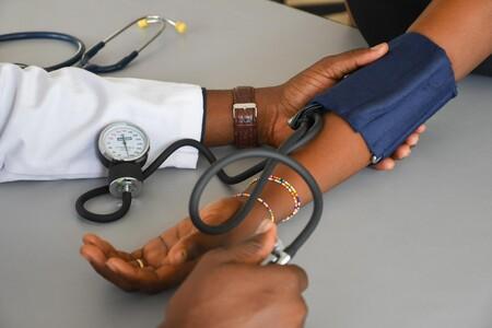 Para cuidar la salud cardiovascular no sólo importa cuánto tenemos de presión arterial sino también, evitar fluctuaciones en el tiempo