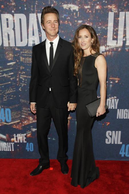 Edward Norton y señora