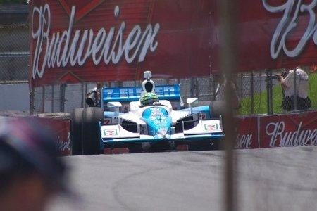 Tony Kanaan pilotará para Lotus