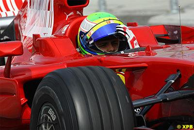 Felipe Massa lidera los tiempos en Silverstone