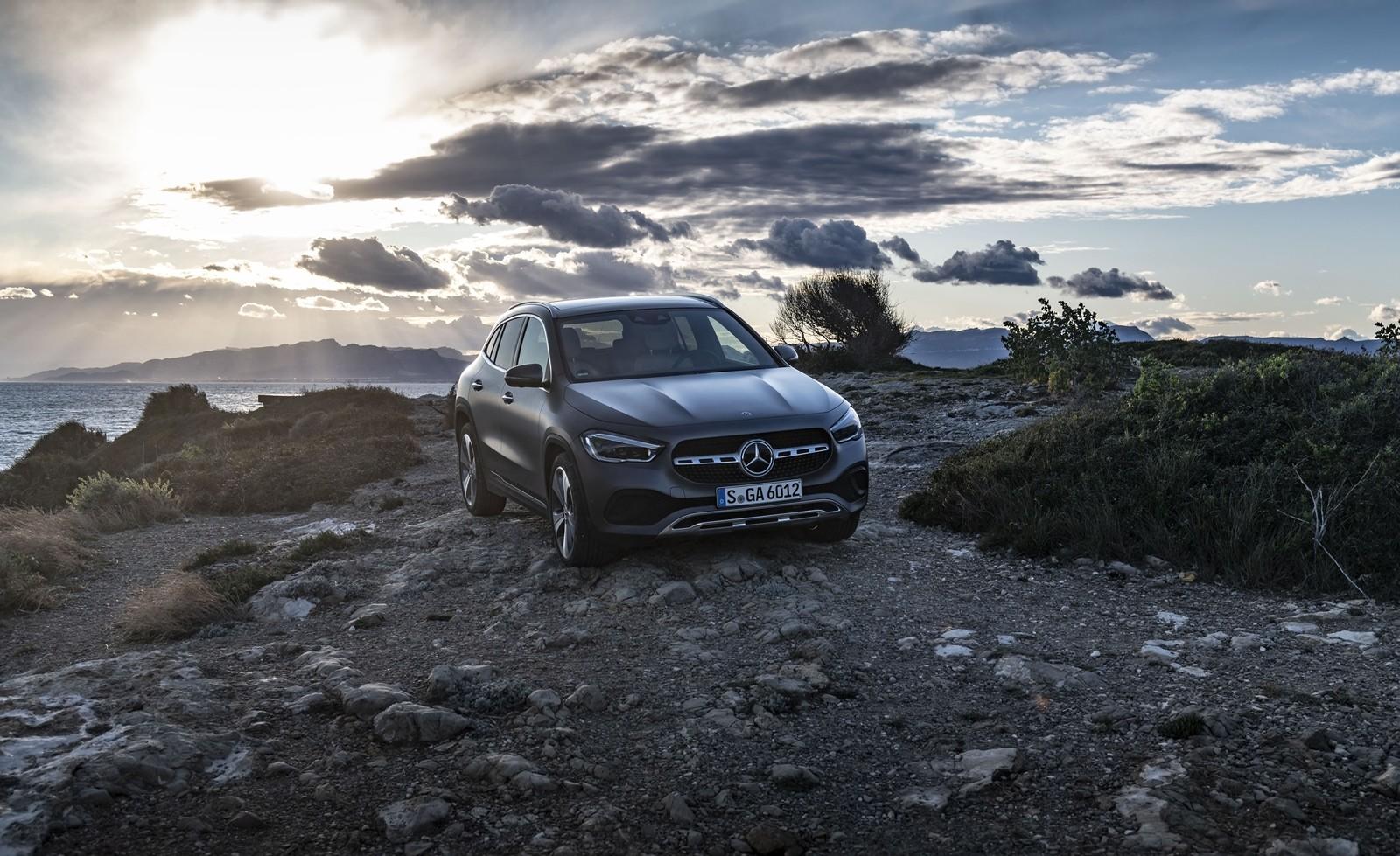 Foto de Mercedes-Benz GLA 2020 (18/19)