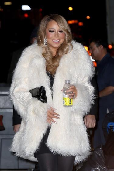 Mariah Carey se atreve con el abrigo de yeti que vimos en la pasarela pero que se ha hecho esperar en la calle