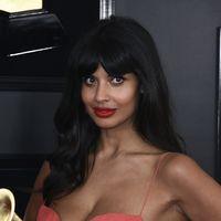 Jameela Jamel critica todo el Photoshop utilizado para retocar su foto, dando una gran lección bodypositive