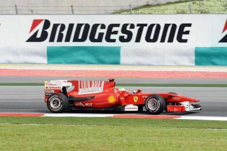 Ferrari cerca de renovar a Felipe Massa