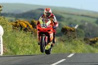 Triumph pregunta a Antonio Maeso para un equipo en el Tourist Trophy