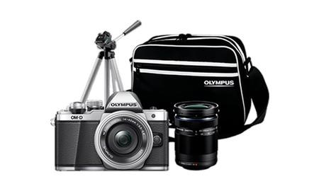 Todo lo que necesitas para salir a hacer fotos desde el minuto cero, con el pack de Olympus OMD EM10 MkII, por 599 euros en MediaMarkt