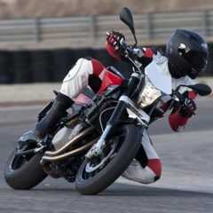Foto 60 de 111 de la galería husqvarna-nuda-900-y-900r-datos-y-fotos-oficiales en Motorpasion Moto