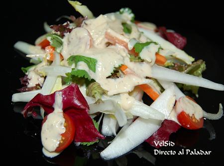 Ensalada de endivias con salsa de queso fresco