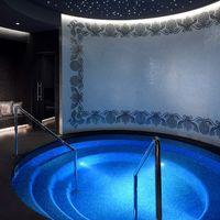 Versace abre su primer spa, y por supuesto es todo lujo con aire algo decadente
