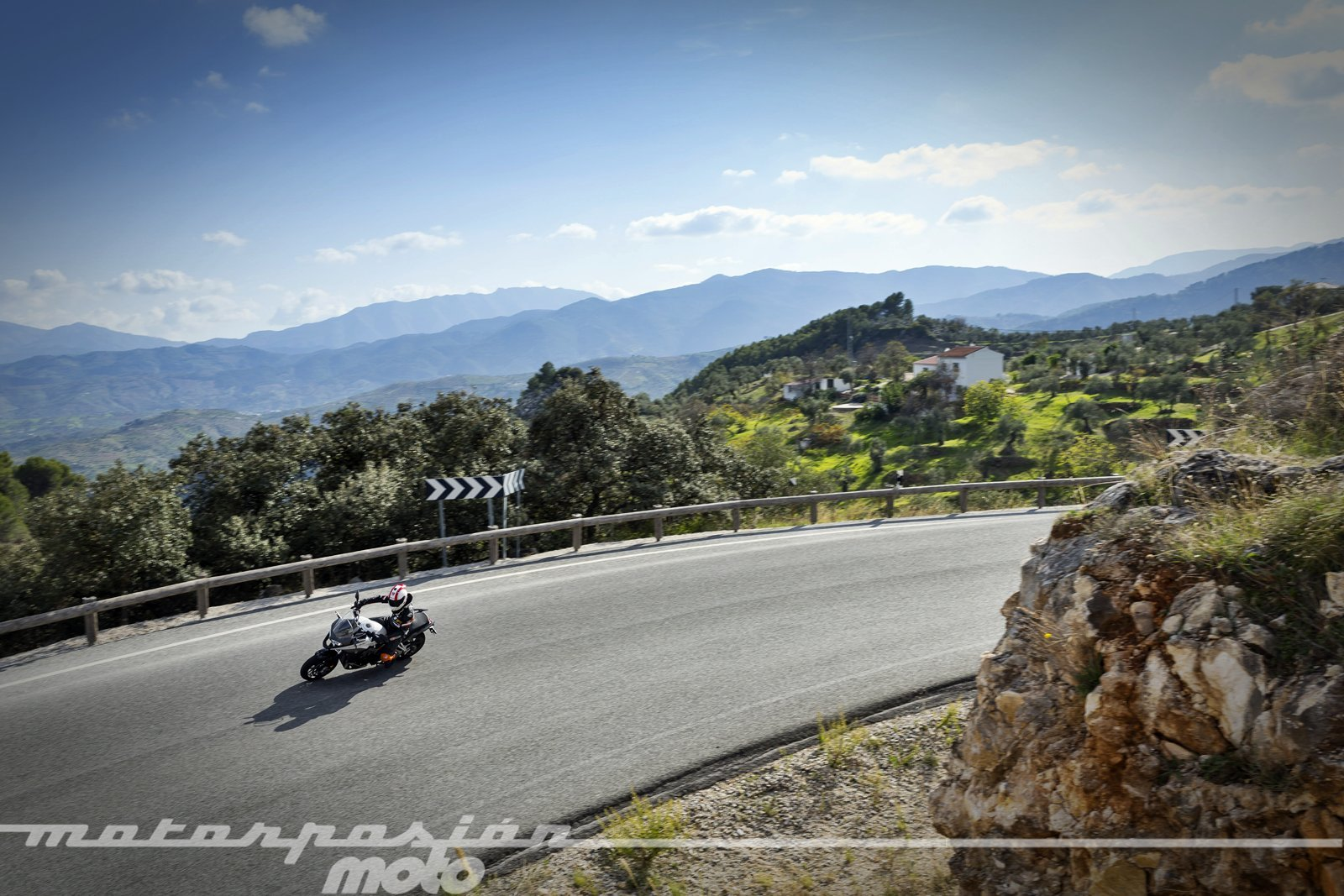 Foto de Honda VFR800X Crossrunner - Acción (5/23)