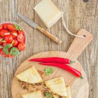 Quesadillas de queso manchego y champiñones Portobello. Receta para una deliciosa cena al estilo mexicano