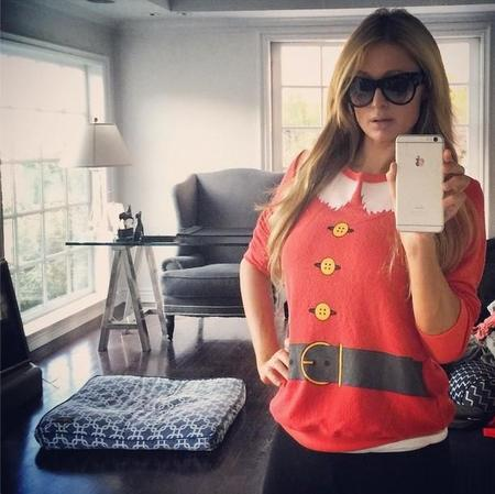 Las mil y una felicitaciones navideñas de Paris Hilton