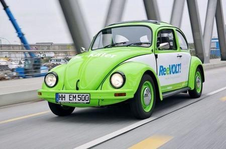 Pretenden transformar 20.000 Volkswagen Escarabajo a eléctricos en 2014