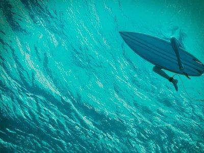 'Infierno azul', teaser tráiler y cartel del tiburón de Jaume Collet-Serra