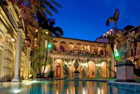 En venta Casa Casuarina, la mansión de Gianni Versace en Miami