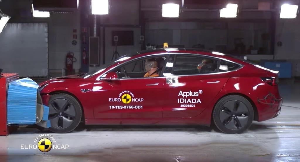 El Tesla Model 3 es el coche más seguro del año, según los tests del Euro NCAP para sobrevivir y evitar accidentes