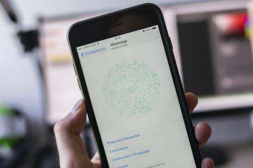Cómo convertir WhatsApp en una nube personal usando los grupos