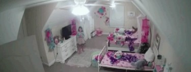 """Así es como un supuesto """"hacker"""" accedió a la cámara de la habitación de una niña de ocho años para decirle que es Santa Claus"""