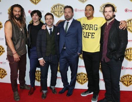 Zack Snyder se burla de IMDb: 'Liga de la Justicia' no dura 170 minutos