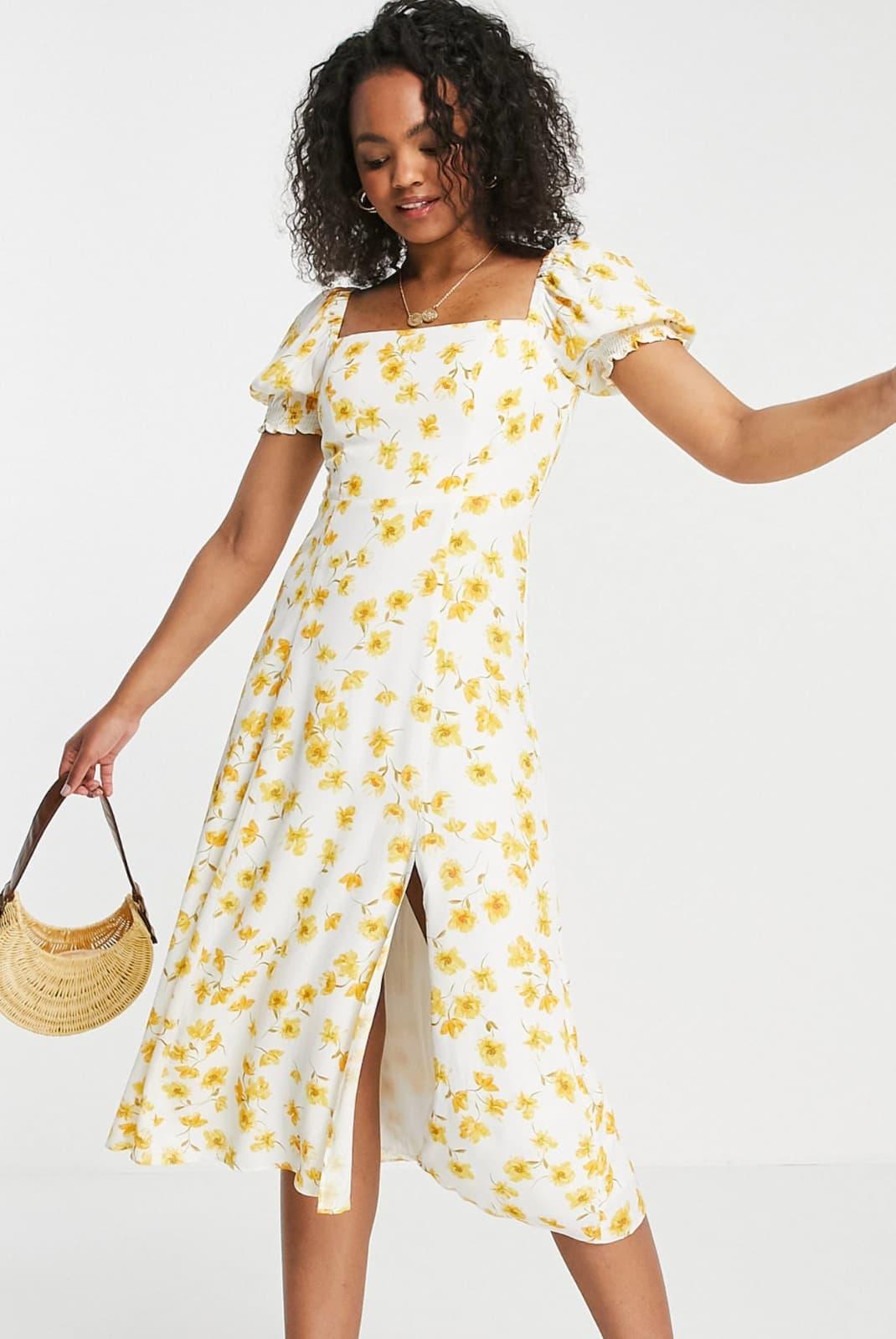 Vestido de tarde midi de manga corta con estampado de flores amarillas de Forever New