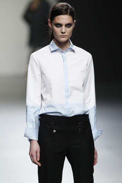 Foto de Ángel Schlesser en la Cibeles Madrid Fashion Week Otoño-Invierno 2011/2012 (2/10)