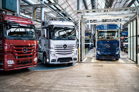 Daimler Mercedes Actros China