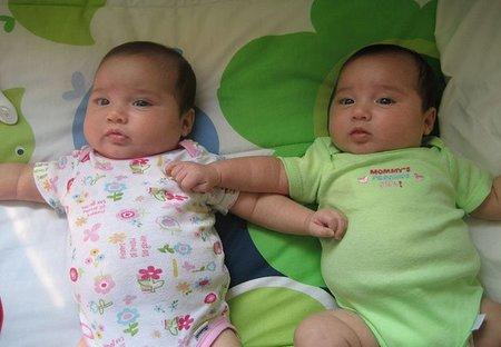 Elegir el nombre de los gemelos