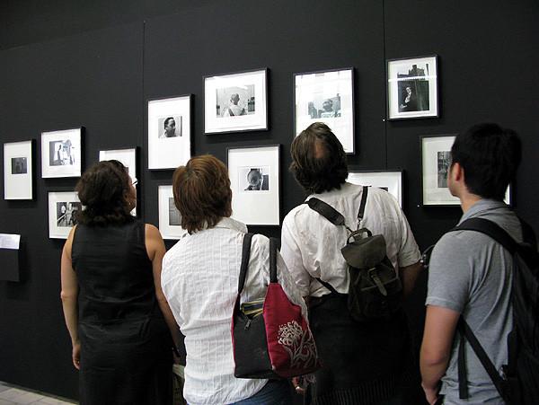 Duane Michals exposición en Arles 2009, Francia.