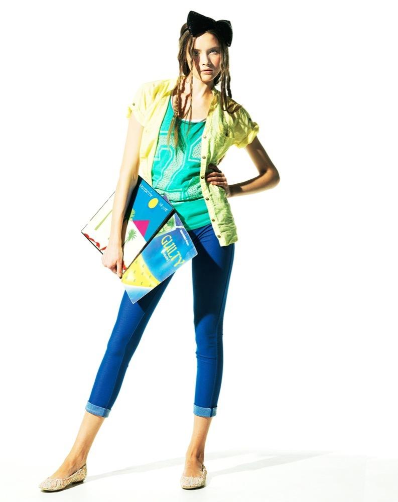 Foto de Bershka, lookbook de abril Primavera 2011: ¡más color en las tiendas! (15/22)