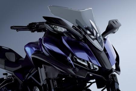 El doble eje delantero de la Yamaha MWT-09 funciona, y lo podemos ver en este vídeo