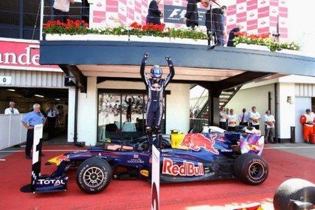 Mark Webber vence y convence en el Gran Premio de Gran Bretaña