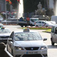 """Los taxistas de Madrid ven """"totalmente insuficiente"""" el acuerdo de Garrido y Carmena: la protesta alcanza su séptimo día"""