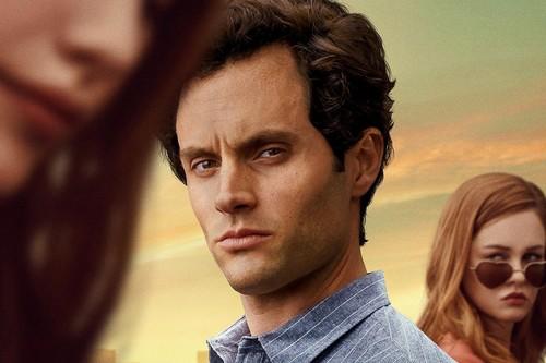 'You': la serie de Netflix abraza sus excesos en una segunda temporada que engancha tanto como la primera