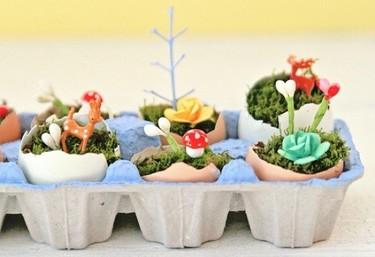 Aprovecha las cajas y las cáscaras de los huevos utilizándolas como pequeñas macetas