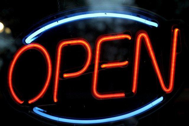 Los pequeños comercios podrán abrir locales sin licencia previa desde junio