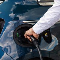 El Gobierno activa el Plan MOVES 2020 de ayudas a la compra para coches eléctricos