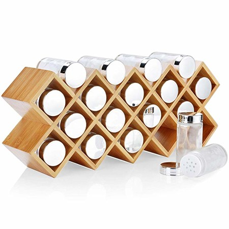 Dispensador de Especias Bambú Harcas con 18 tarros de especias y etiquetas. Organizador de especias independiente de gran tamaño 43cm x 9.5cm x 18cm. Frascos de vidrio con tapas de acabado cromado.