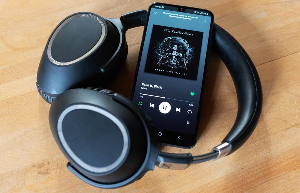 Cómo pasar el audio estéreo a mono en celulares Samsung™ para escuchar música con un auricular