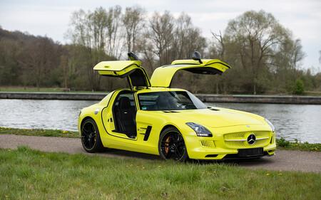 Uno de los nueve Mercedes-Benz SLS AMG Electric Drive fabricados está a la venta... ¡por más de un millón de euros!