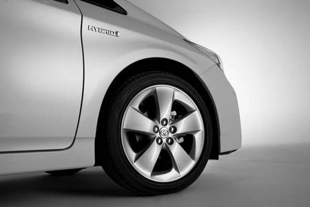 Una presión incorrecta en los neumáticos nos puede hacer perder todo lo ahorrado