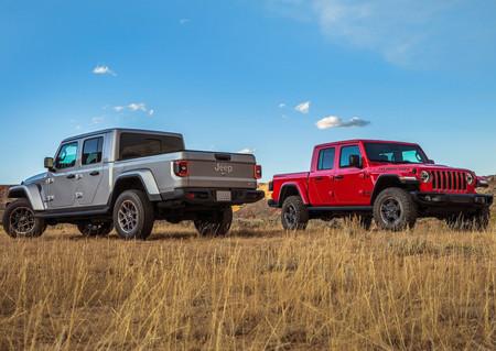La Jeep Gladiator 2020 es tan capaz como el Wrangler fuera de camino, pero con mucho más espacio de carga