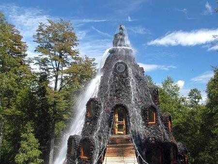 Hotel Montaña Mágica, sorpresa en medio de la reserva chilena Huilo-Huilo