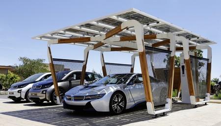 Pérgola solar de aparcamiento de BMW i 03
