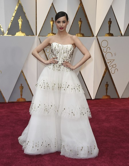 Sofia Carson Monique Lhuillier Oscars2017