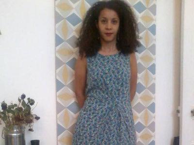 En Argelia lucen pierna por la prohibición de una mujer con falda corta en la universidad